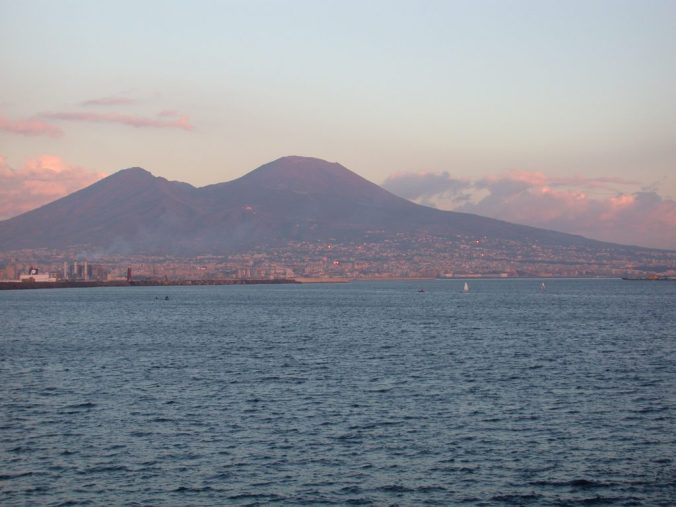 Vesuvius_from_Naples_at_sunset